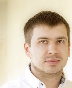 Виталий Константинов